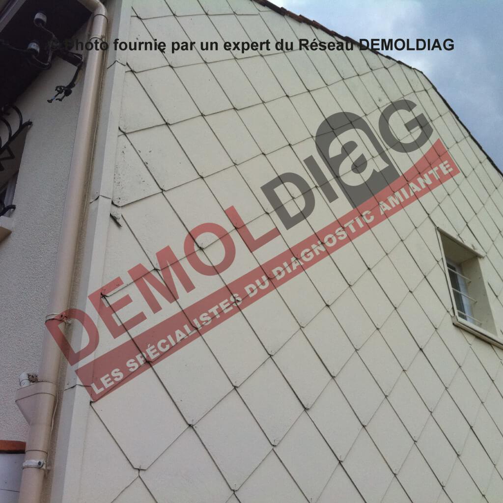 Rénovation énergétique : Fausses ardoise en fibres-ciment contenant de l'amiante susceptibles d'être impactées par les travaux d'isolation par l'extérieur.