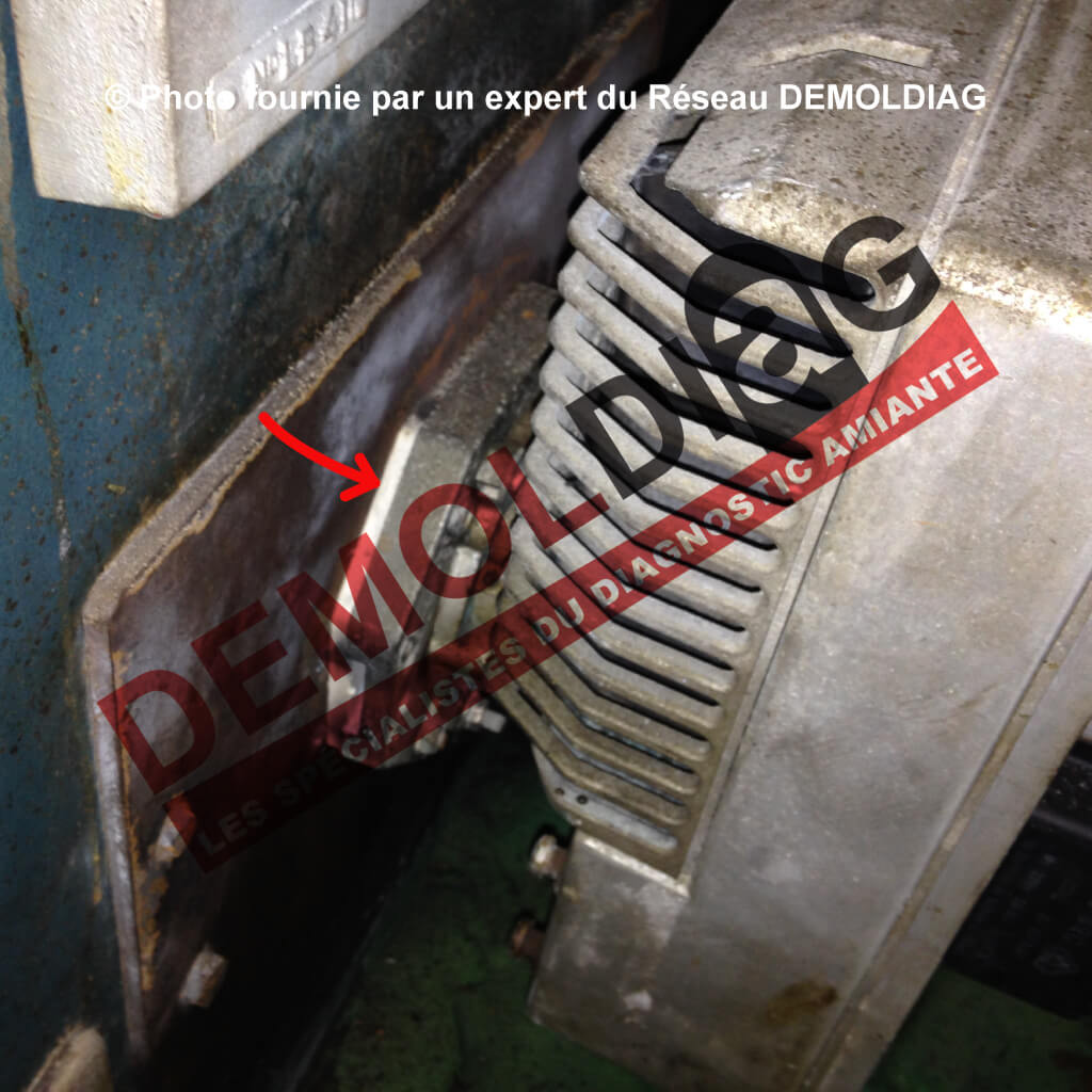 Rénovation énergétique : Chaudière comportant un joint de brûleur amianté susceptible d'être impacté par les travaux de remplacement du brûleur ou de la chaudière